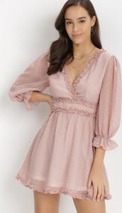 Różowa sukienka born2be z dekoltem w kształcie litery v trapezowa mini