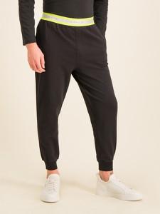 Czarne spodnie sportowe Calvin Klein z dresówki