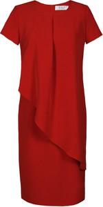 Czerwona sukienka Fokus z okrągłym dekoltem oversize z krótkim rękawem