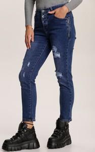 Granatowe jeansy Renee w street stylu