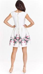 Sukienka Nubile z okrągłym dekoltem mini