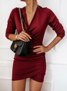 Czerwona sukienka Pakuten z długim rękawem z bawełny dopasowana