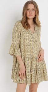 Sukienka born2be oversize z dekoltem w kształcie litery v mini