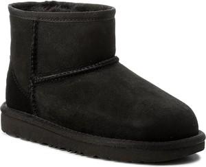 Czarne buty dziecięce zimowe ugg australia ze skóry bez wzorów