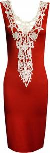 Czerwona sukienka Inna ołówkowa bez rękawów z dekoltem w kształcie litery v