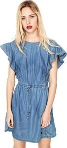 Niebieska sukienka Pepe Jeans oversize z okrągłym dekoltem z krótkim rękawem