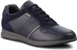 Czarne buty sportowe Geox w stylu casual ze skóry ekologicznej sznurowane