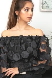 Czarna bluzka Butik Ecru z tkaniny hiszpanka z długim rękawem