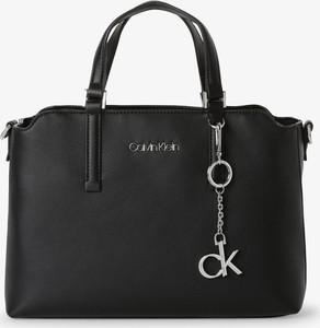 Czarna torebka Calvin Klein ze skóry do ręki