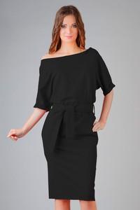 Czarna sukienka Tessita oversize z krótkim rękawem