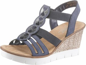 Niebieskie sandały Rieker na koturnie w stylu casual