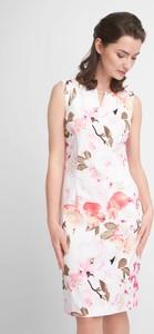 Sukienka QUIOSQUE w stylu casual z dekoltem w kształcie litery v