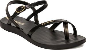Czarne sandały Ipanema z płaską podeszwą z klamrami