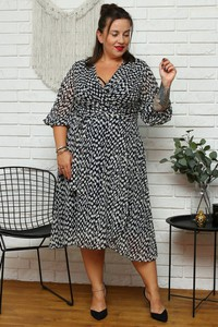 Sukienka KARKO midi z szyfonu z dekoltem w kształcie litery v