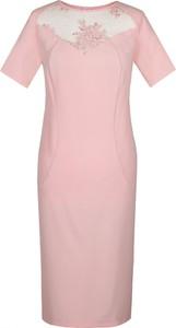 Różowa sukienka Fokus mini ołówkowa z tkaniny