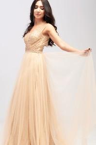 Sukienka Butik Ecru z dekoltem w kształcie litery v z tiulu maxi