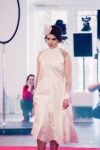 Różowa sukienka Pastelove Motyle z długim rękawem mini