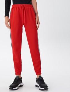 Czerwone spodnie House