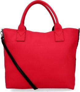 Czerwona torebka Pinko na ramię