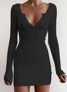 Czarna sukienka Cikelly z dekoltem w kształcie litery v w stylu casual z długim rękawem