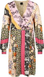 Sukienka Pinko z dekoltem w kształcie litery v z długim rękawem