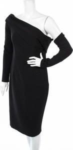 Czarna sukienka Sheike z asymetrycznym dekoltem z długim rękawem