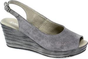 Sandały Euro Moda na koturnie