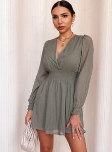 Sukienka SELFIEROOM w stylu casual z dekoltem w kształcie litery v