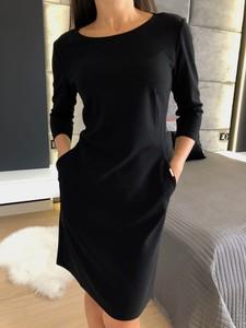 Czarna sukienka ModnaKiecka.pl z długim rękawem