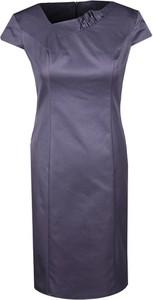 Fioletowa sukienka Fokus z dekoltem w kształcie litery v midi
