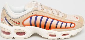 Pomarańczowe buty sportowe Nike Sportswear sznurowane ze skóry