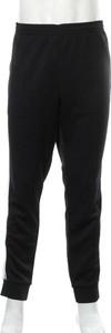 Czarne spodnie sportowe Adidas Originals w sportowym stylu