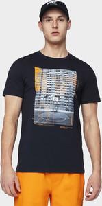 Granatowy t-shirt 4F z nadrukiem