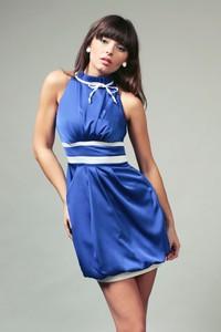 Sukienka sukienki.pl bez rękawów z odkrytymi ramionami