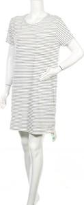 Sukienka Indigo z krótkim rękawem z okrągłym dekoltem w stylu casual
