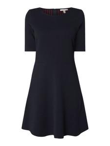 Granatowa sukienka Esprit z okrągłym dekoltem w stylu casual z bawełny