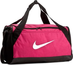 Różowa torba sportowa nike