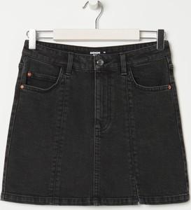 Czarna spódnica Sinsay mini w stylu casual