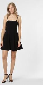 Czarna sukienka NA-KD na ramiączkach mini