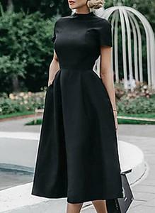 Czarna sukienka Cikelly z okrągłym dekoltem midi