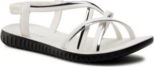 Sandały BASSANO z płaską podeszwą z klamrami