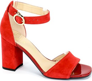 Czerwone sandały Sala na średnim obcasie z klamrami
