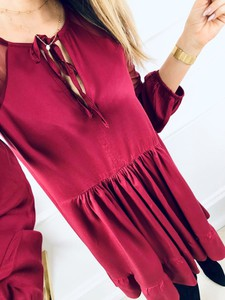Różowa sukienka Kenza.pl w stylu klasycznym midi z długim rękawem