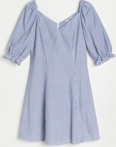 Niebieska sukienka Reserved z krótkim rękawem z bawełny trapezowa