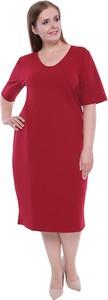 Czerwona sukienka modneduzerozmiary.pl midi z tkaniny