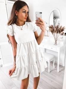 Sukienka Pakuten w stylu casual z okrągłym dekoltem mini