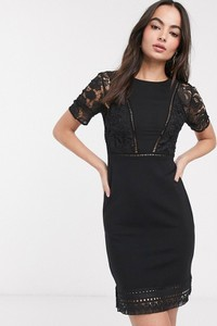 Czarna sukienka French Connection z okrągłym dekoltem