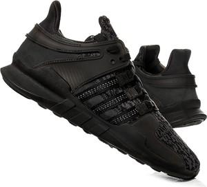 Buty sportowe eoryginalne.pl na koturnie sznurowane w sportowym stylu