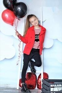 Czerwony płaszcz dziecięcy Qba Kids