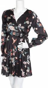 Sukienka Haily's z dekoltem w kształcie litery v